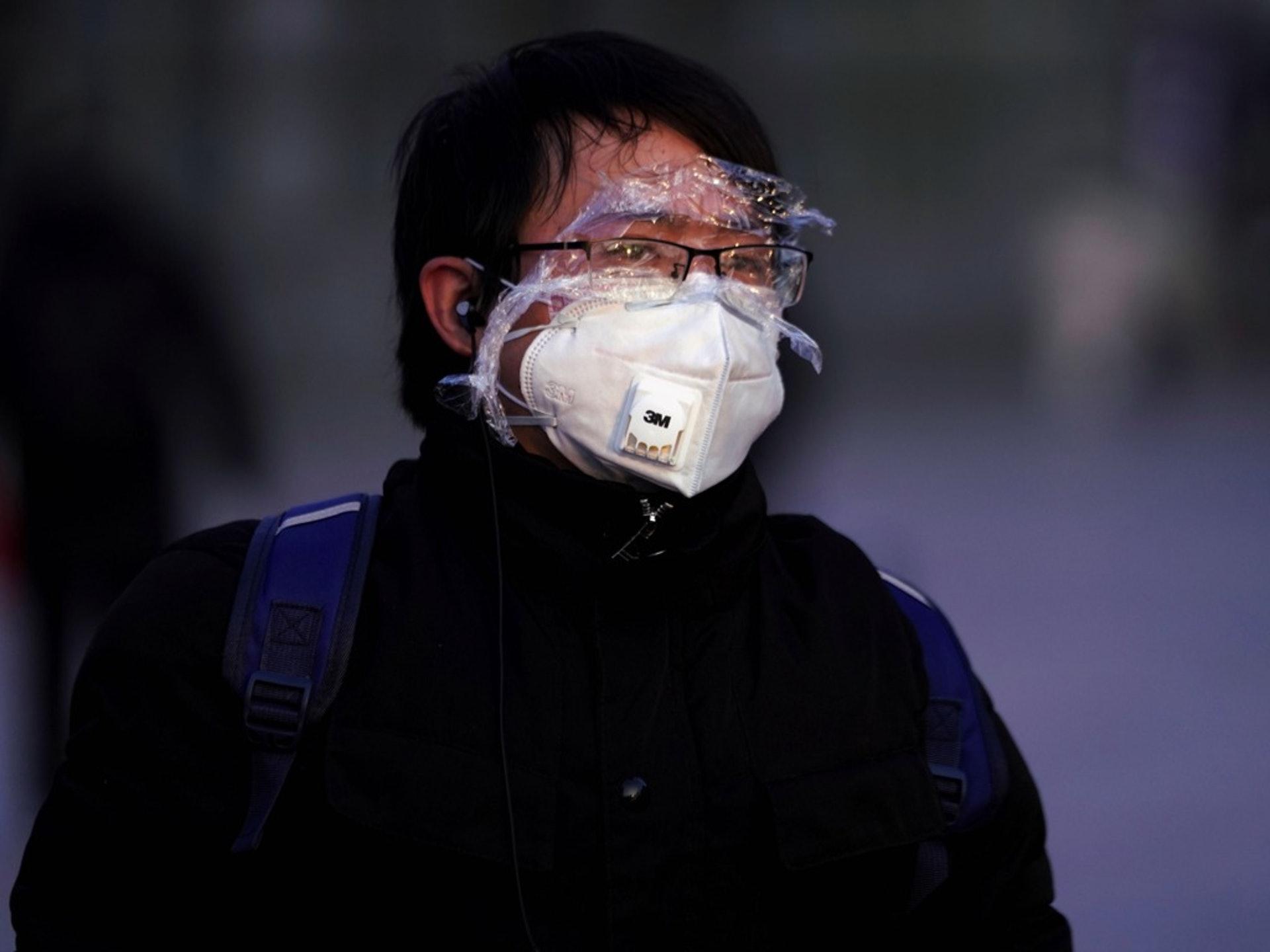 武汉肺炎疫情蔓延的情形下,世界各地民众都加强了自我防护。(Reuters)