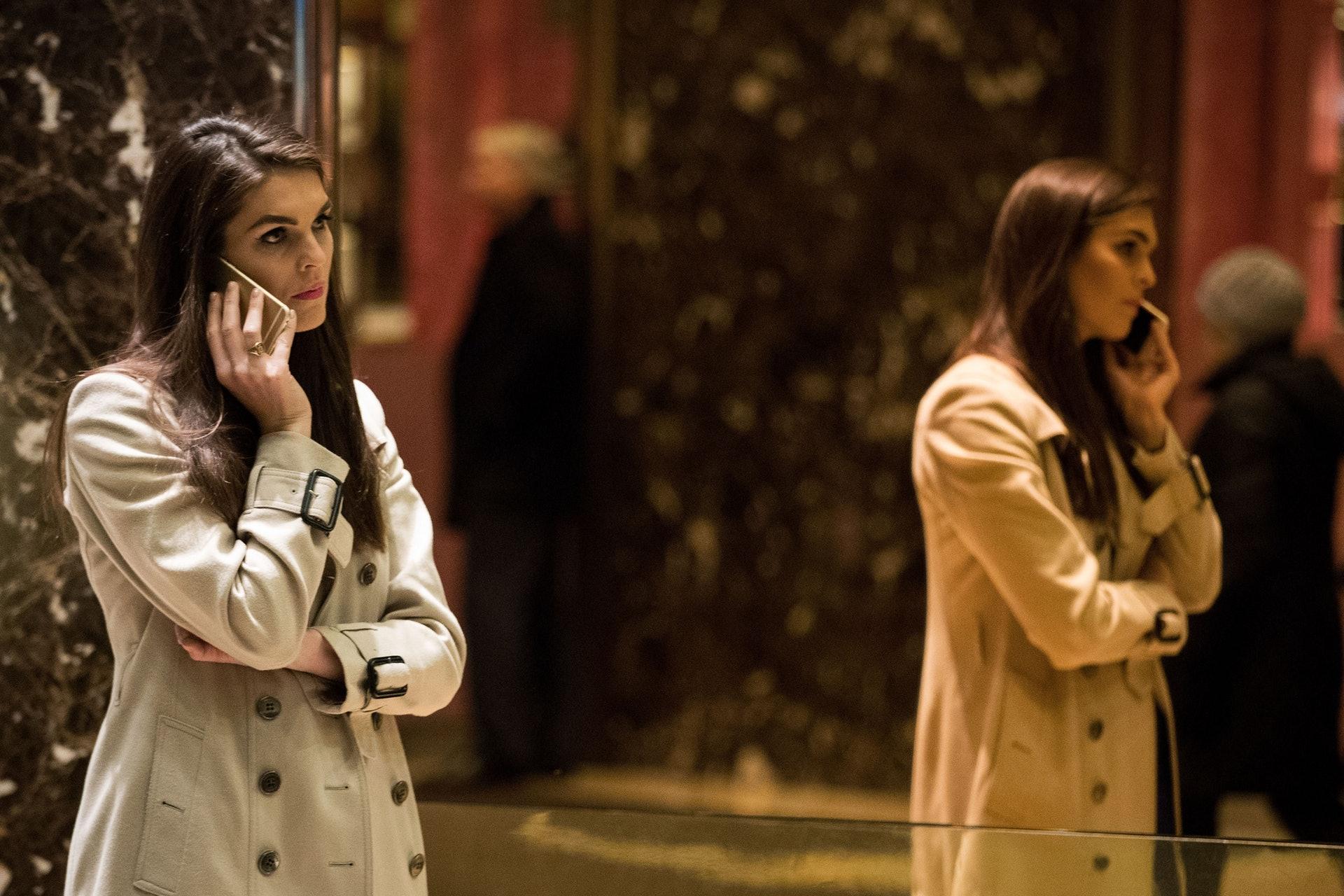 希克斯:希克斯與特朗普家族的緣份始於2012年,當時她就職於公關公司Hiltzik Strategies,處理與特朗普的女兒伊萬卡(Ivanka Trump)旗下時尚品牌相關的工作。2014年,希克斯成為特朗普集團(The Trump Organization)的員工。(Getty)