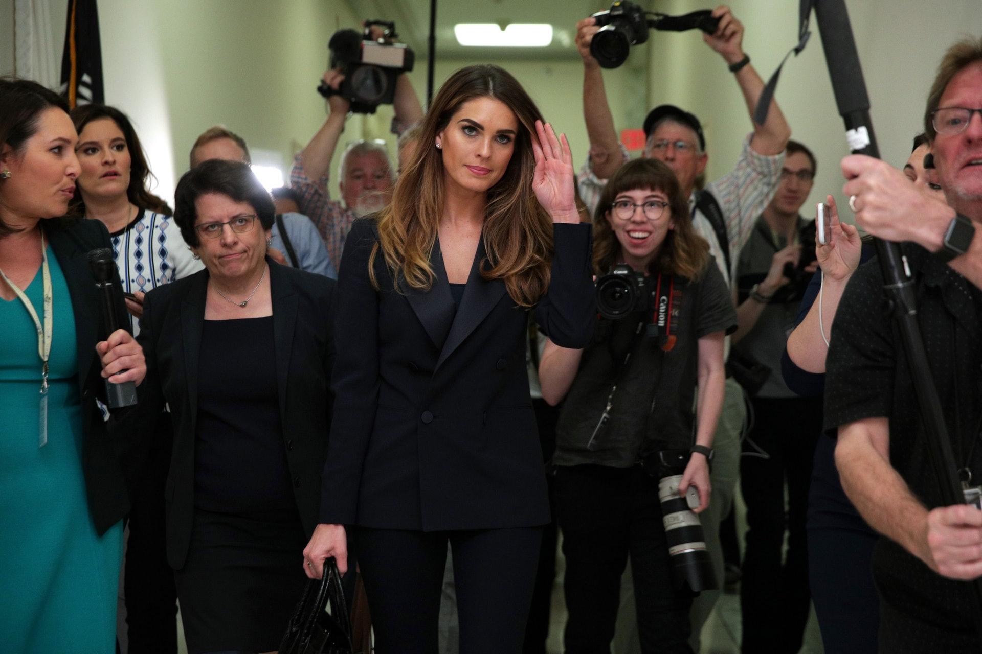 希克斯:2018年2月,希克斯成為「通俄門」事件的調查對象之一,被懷疑一度向外界發布錯誤訊息。她在作供時承認曾為特朗普說一些無傷大雅的「白色謊言」。作供次日,希克斯宣布辭職。(Getty)