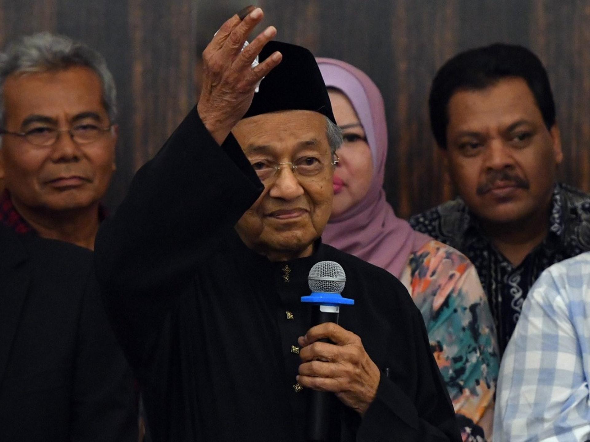 對很多馬來西亞人來說,他們的確是懷着改變社會的心思參加了2018年5月9日的投票,但遺憾的是,馬哈蒂爾最終還是與希望聯盟分道揚鑣了。(新華社)