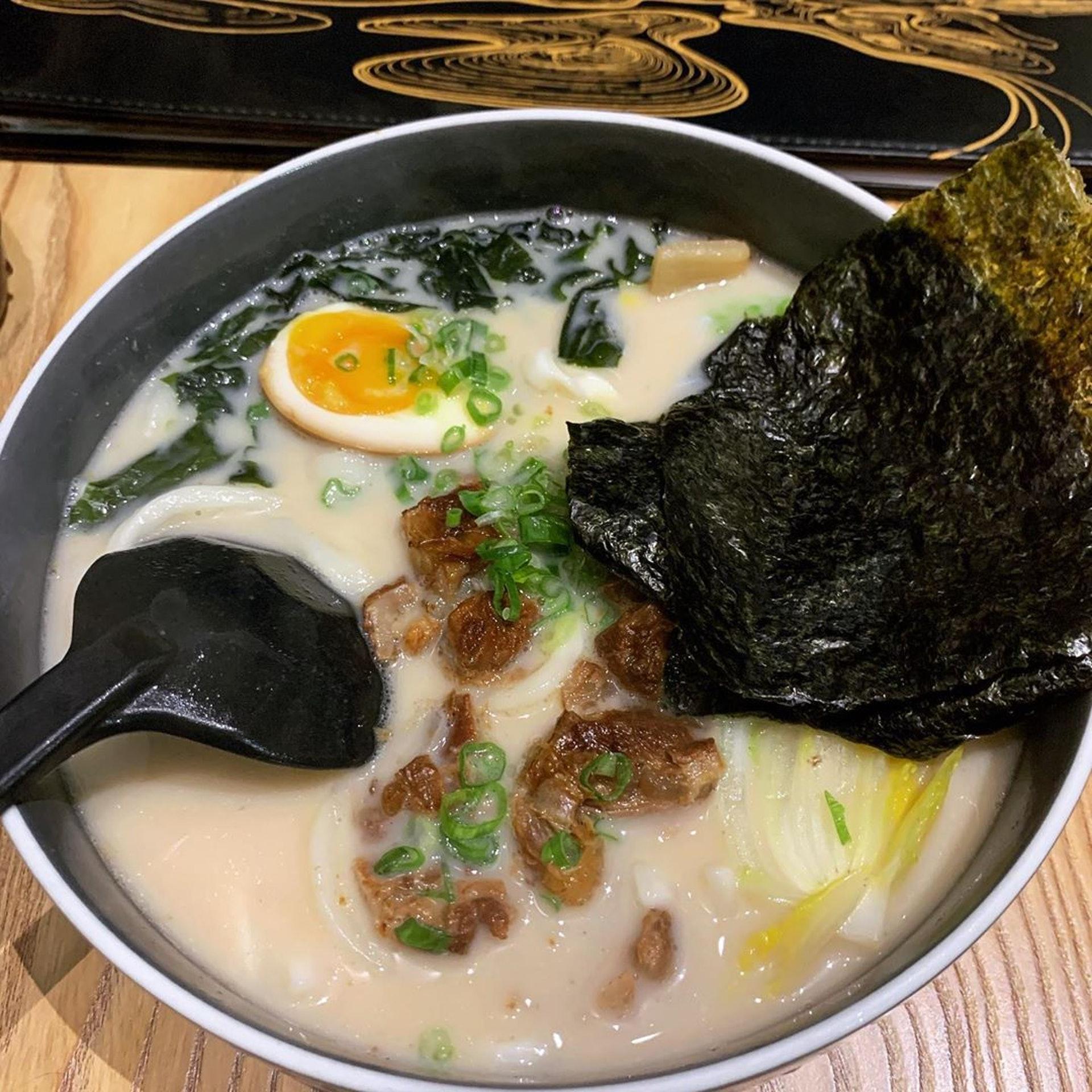 【2.1】主打文青路線的初見創作料理,平時幾乎都要排隊,因為食物多樣化且有保證,而且都像藝術品一樣。(Instagram @fat_a_foodie)