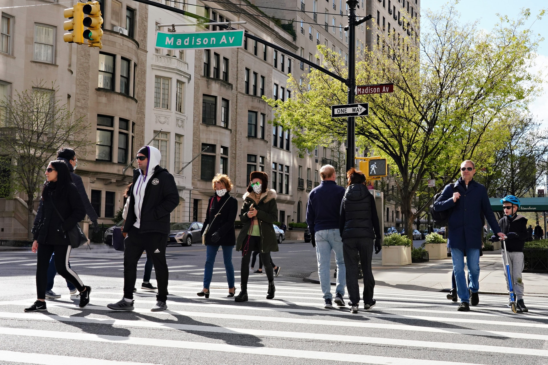 New Coronary Pneumonia: New Coronary Pneumonia antibody test can help the authorities identify the number of infected people.  The picture shows one of the streets of New York on April 11th. Some passers-by still choose not to wear masks.  (Getty)