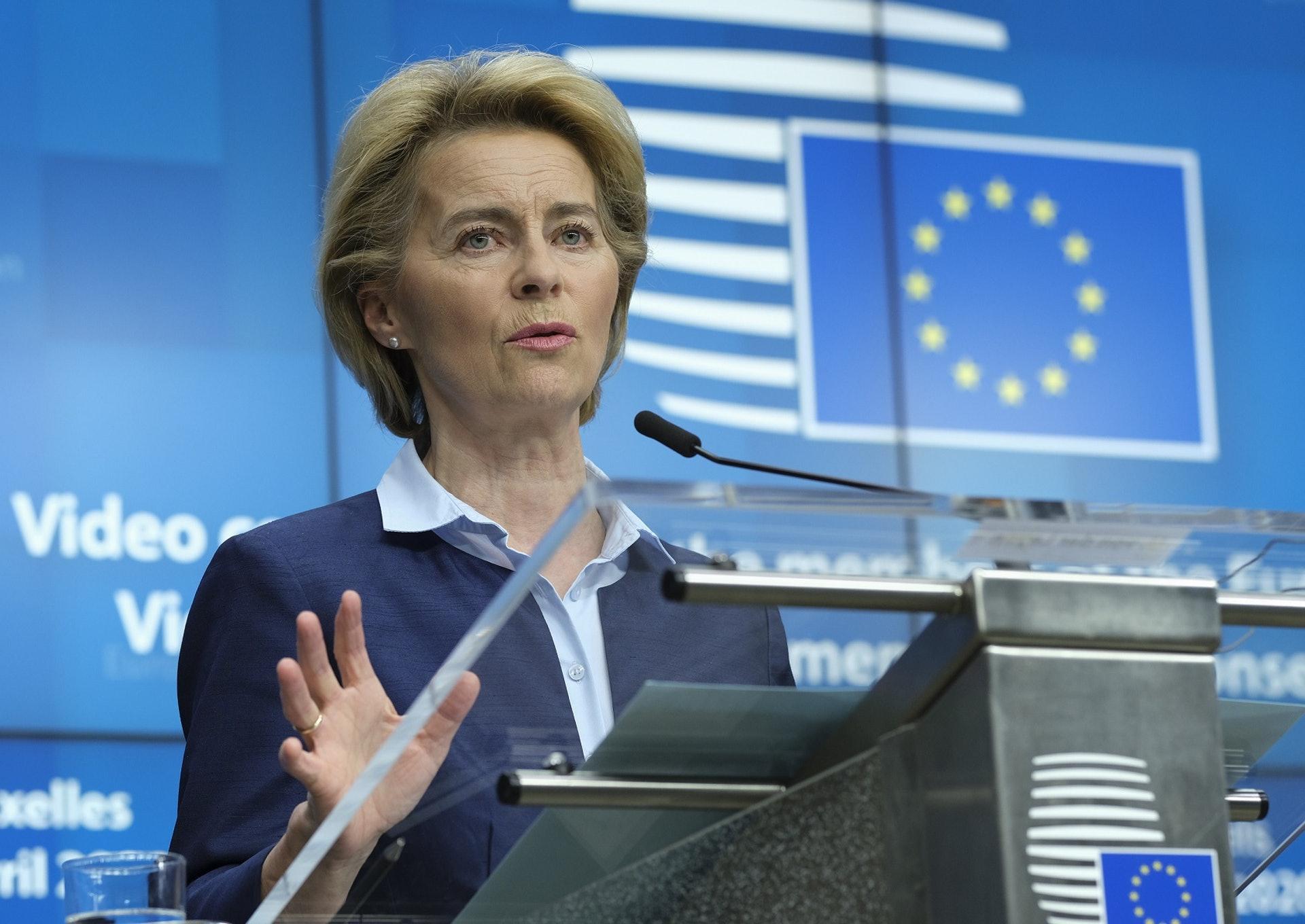 冯德莱恩4月16日在Twitter发文,将欧盟预算比作复苏欧盟经济的「母舰」。 (AP)