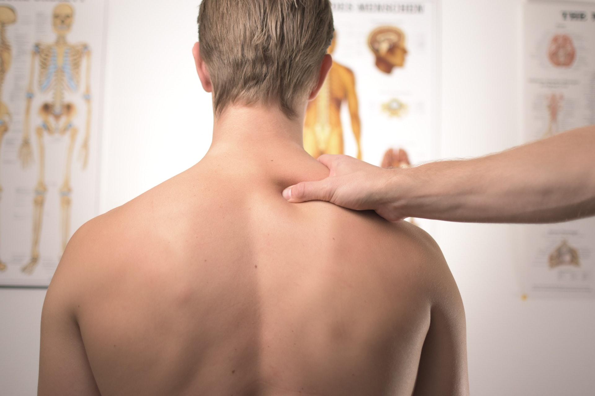 身體的痛症影響生理更影響心理。(aggergakker/unsplash)