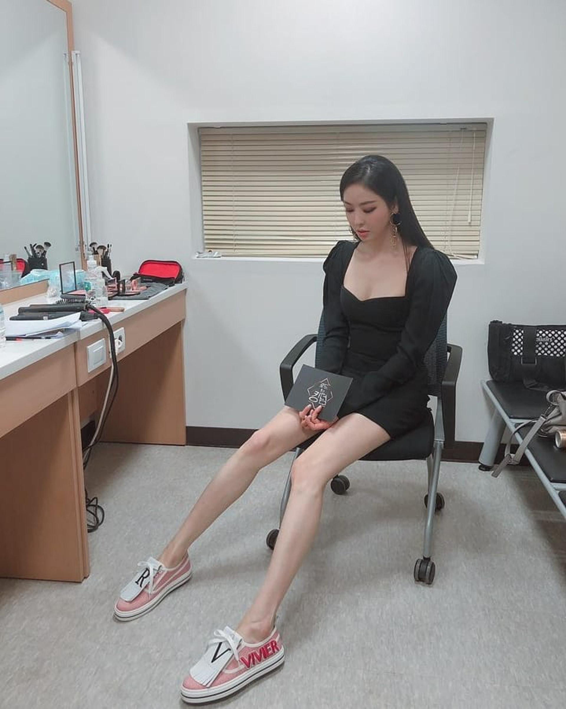 李多熙擁有176cm的九頭身模特兒高挑身材。(Instagram:@dahee0315)