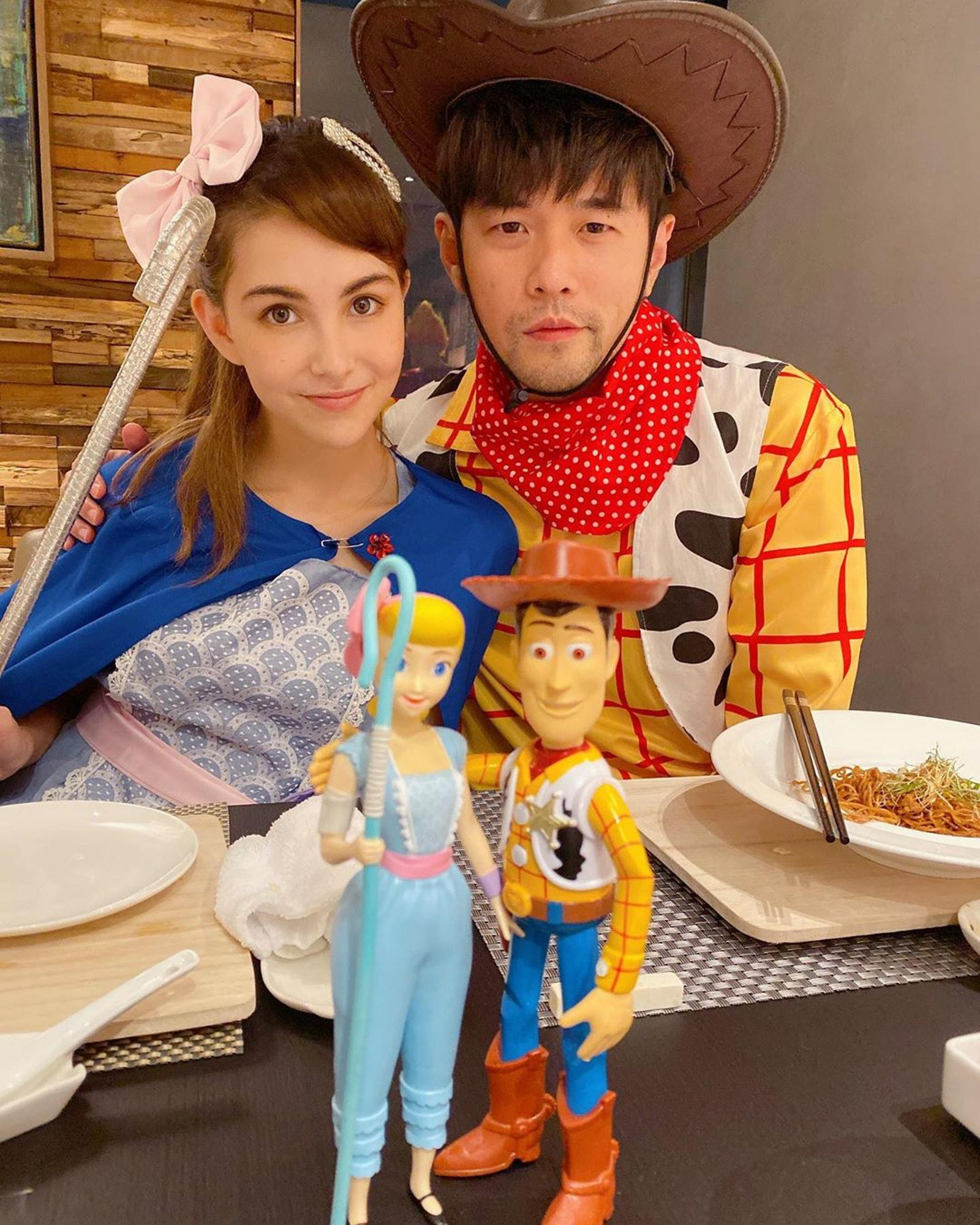 周杰倫與老婆昆凌。(昆凌ig)