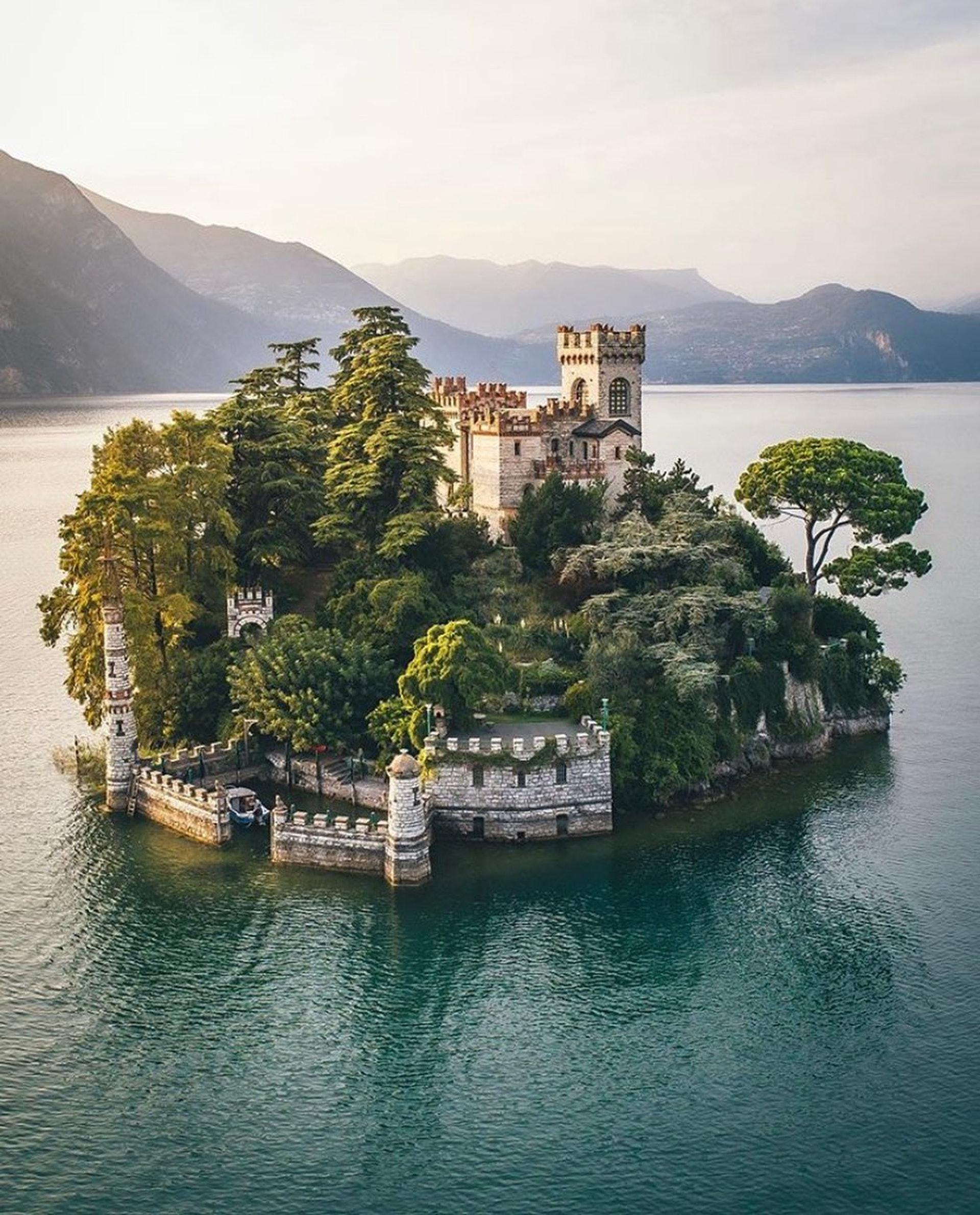 意大利北部伊塞奧湖小島堡壘(travelcommunity / IG)