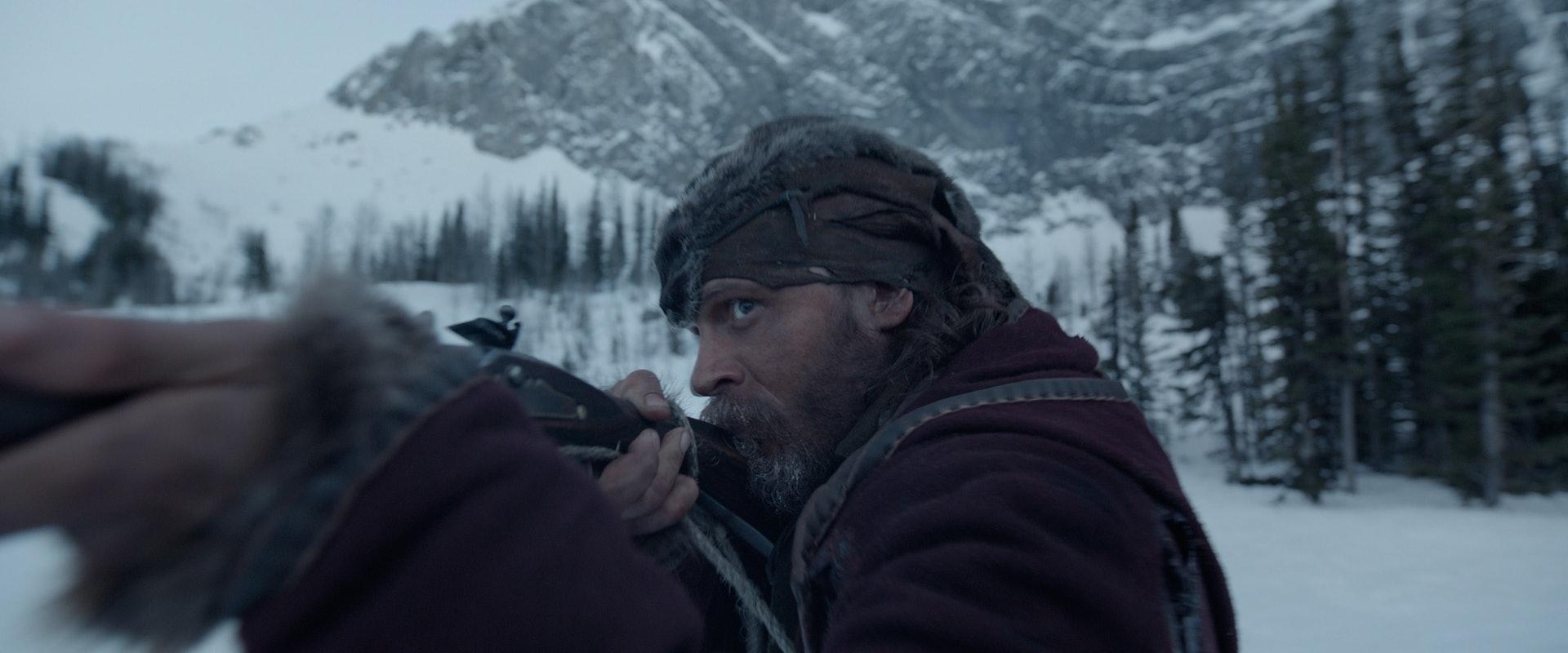当时汤哈迪凭电影获提名最佳男配角。(《复仇勇者》剧照)