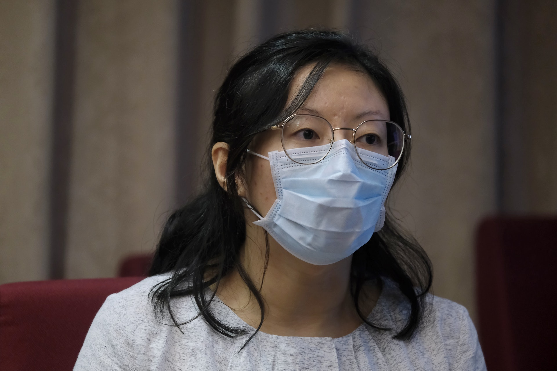 陳映彤分享照顧病人的經驗,提到團隊十分重視便椅的安全性設計。(歐嘉樂攝)