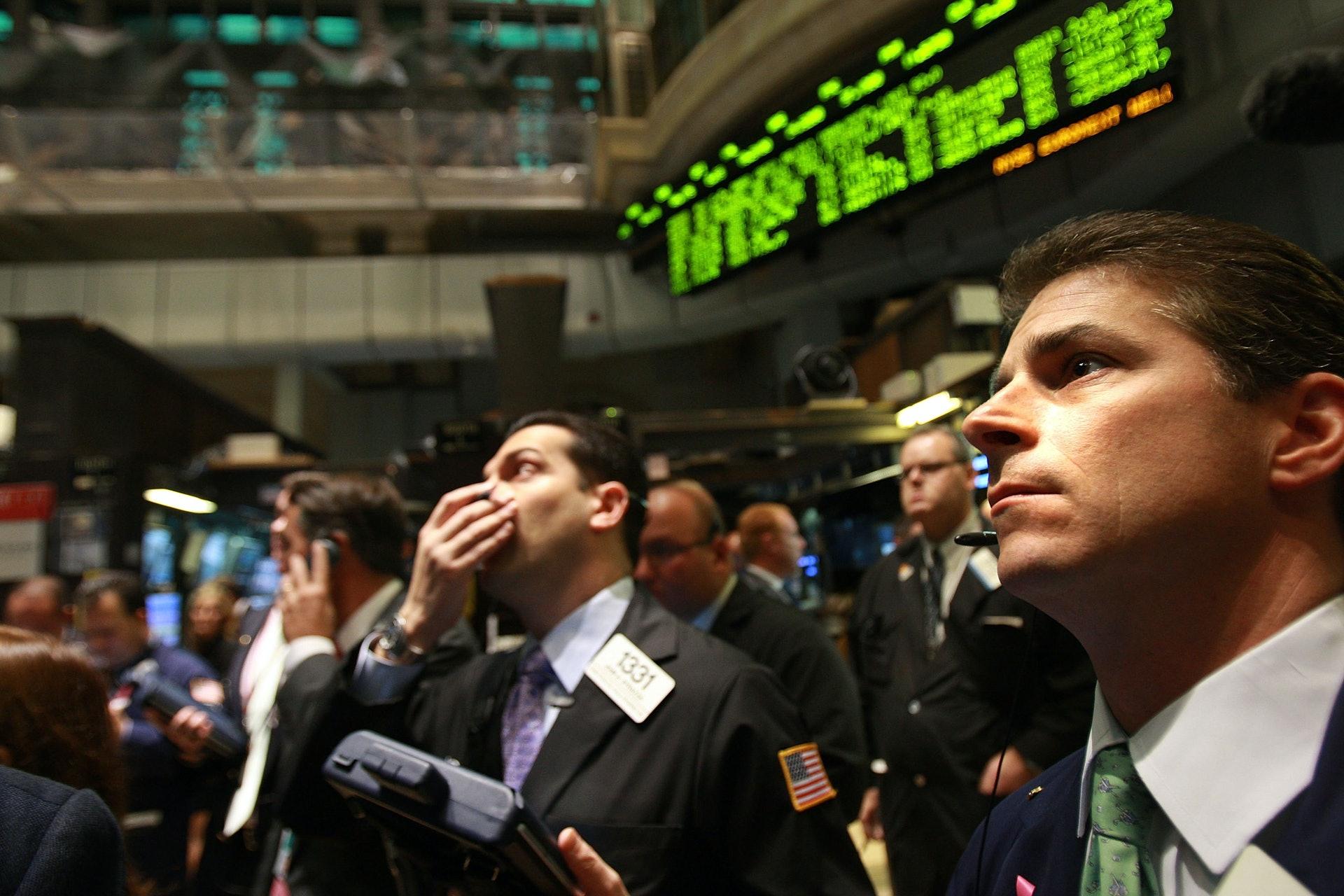 2008年的金融海啸也帮助了奥巴马的选情。(Getty)