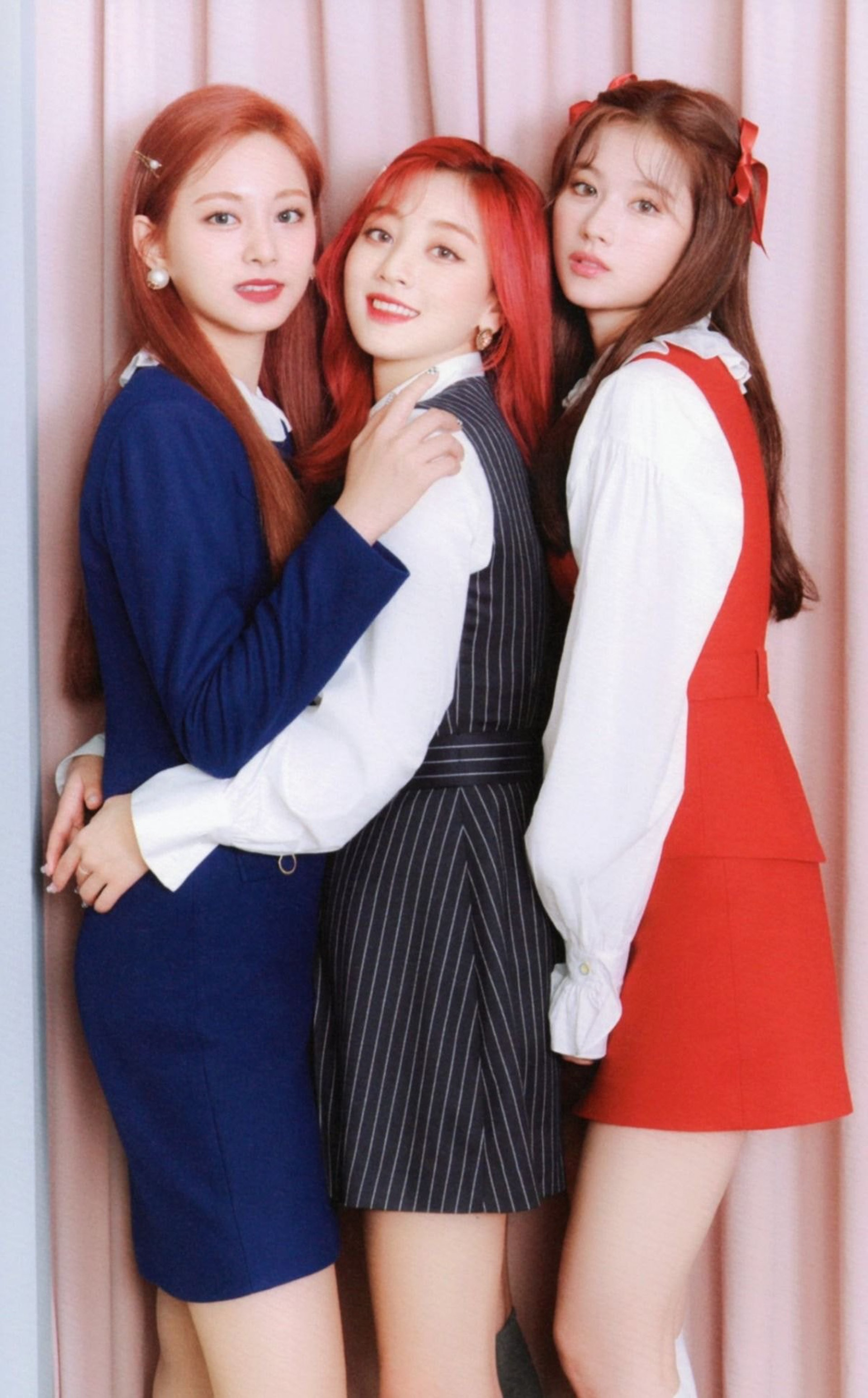 TWICE這套富家女造型只有在專輯中公開過,非常神秘!(JYP Ent.)