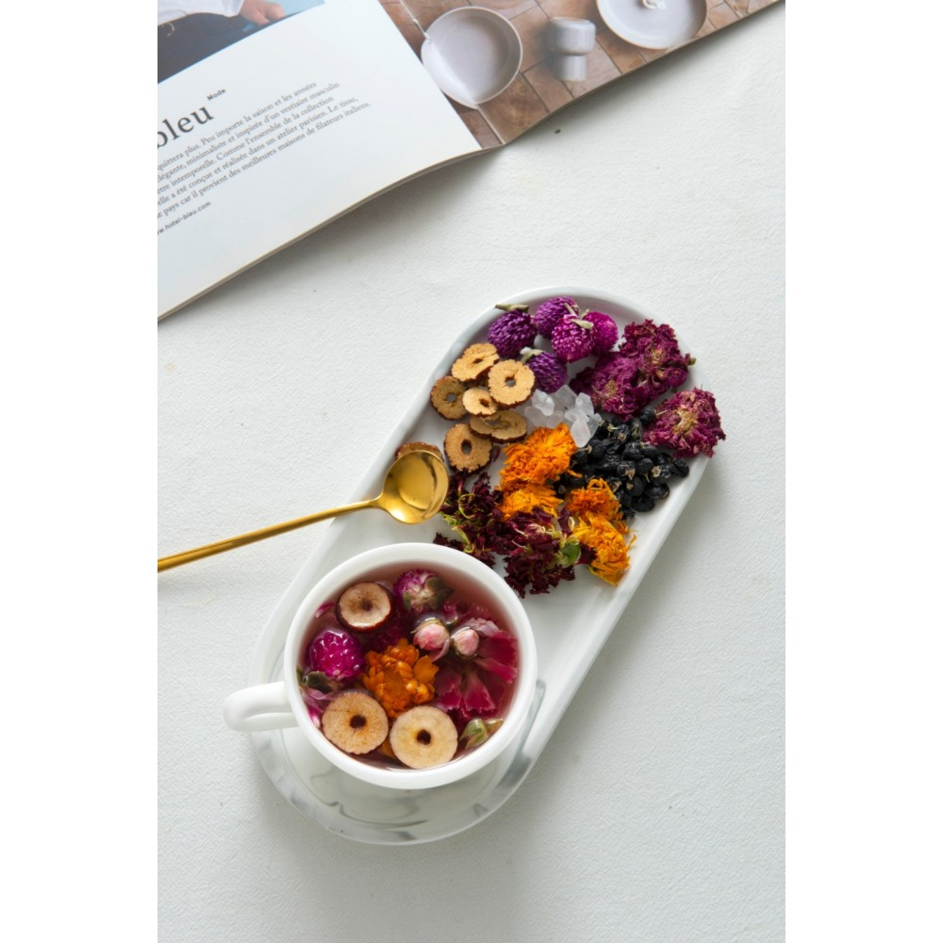 氣血茶材料:桂圓、紅棗、千日紅、康仙花、冰糖、金盞菊、玫瑰、黑枸杞 (好茶養生)
