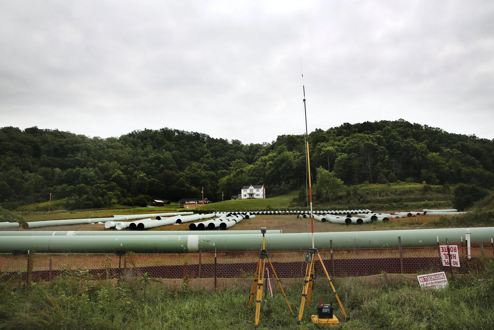 取消美加基石(Keystone XL)輸油管項目對加拿大經濟影響大。(AP)