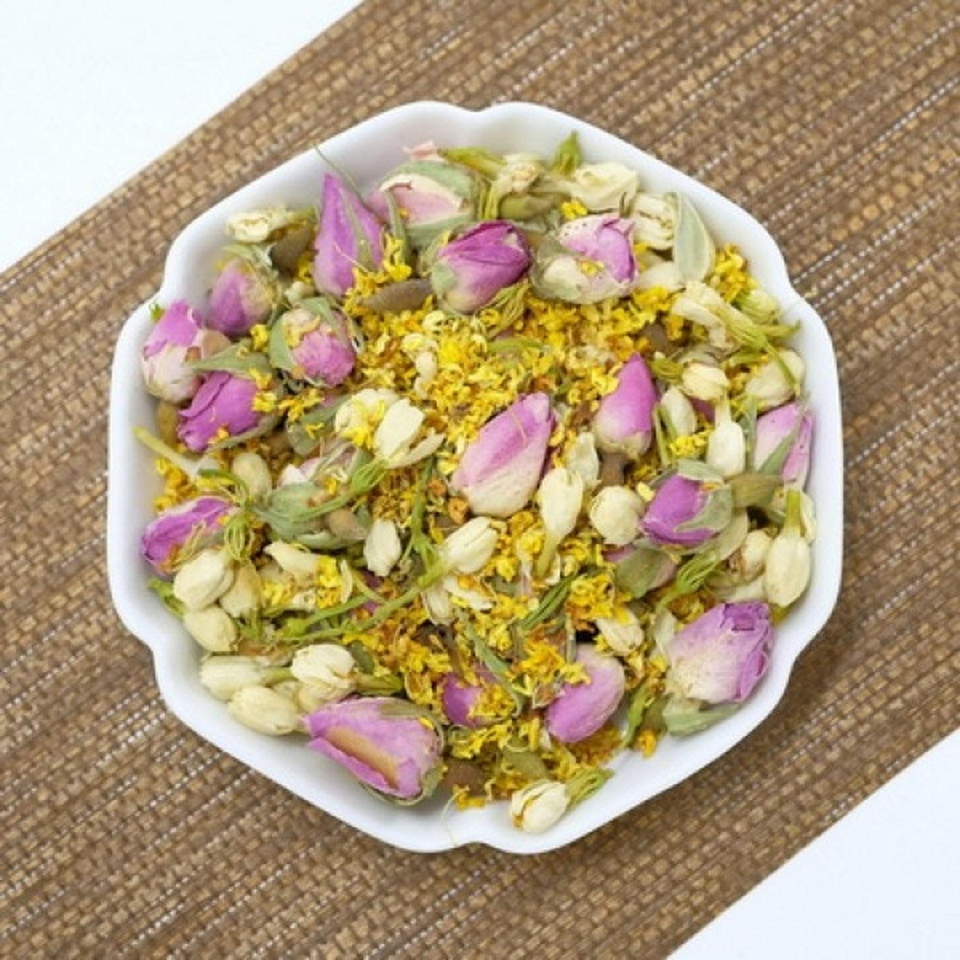 適量飲三花茶,有降火安神作用,可改善更年期出現的心浮氣燥、失眠問題。(圖片:lkytea)
