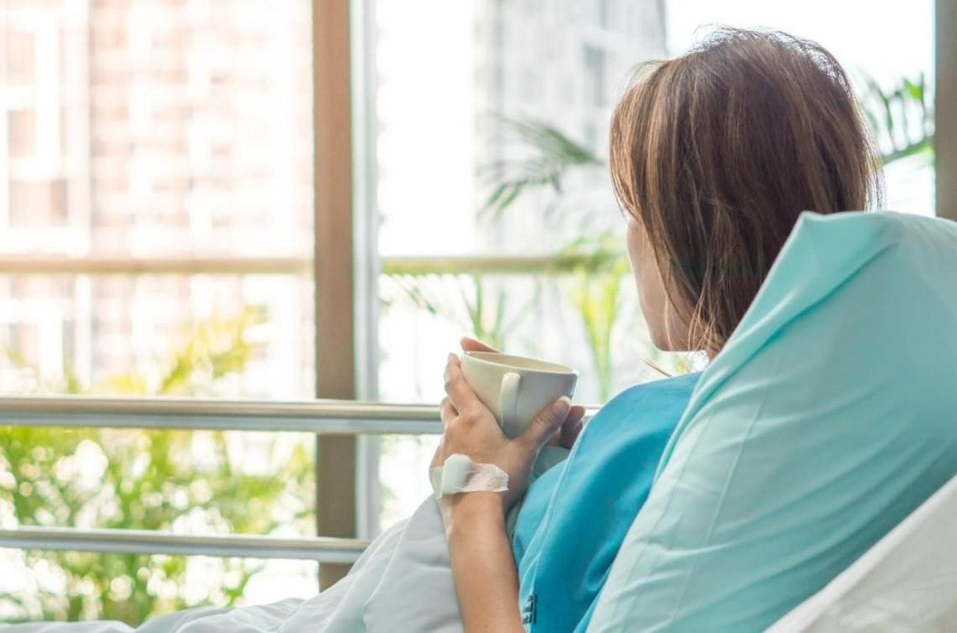 每一種西醫抗癌療法都有其副作用,中醫輔助調理可增強病人體質、減輕療程期間的痛苦。(圖片:businesstoday)