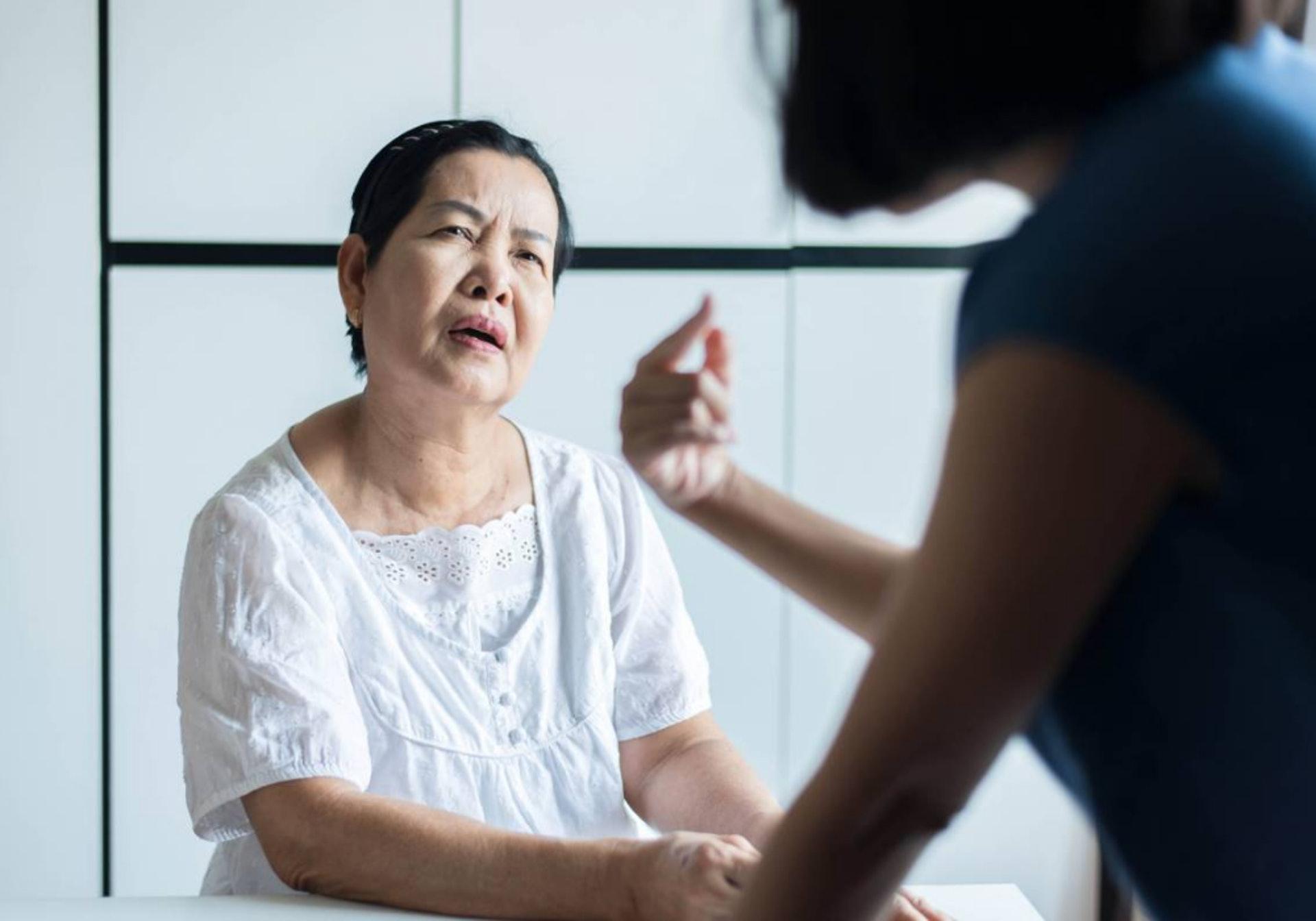 據調查,有22%的家屬需要花最少4小時才能尋回走失的長者 (圖片:shutterstock.com)