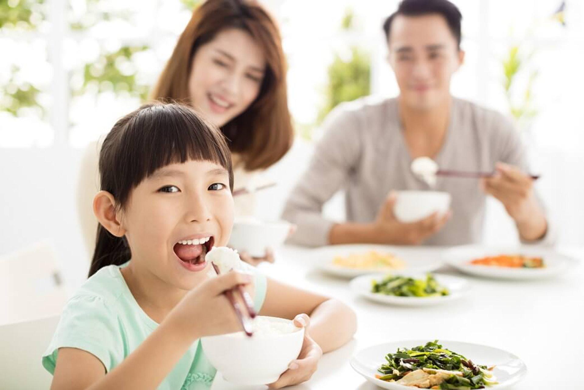 營養師會對兒童的個人體質作出詳細了解及專業分析,並制訂專屬餐單,讓兒童能夠享有最適合個人體質的天然健康飲食方案。(圖片:nestlemilo)