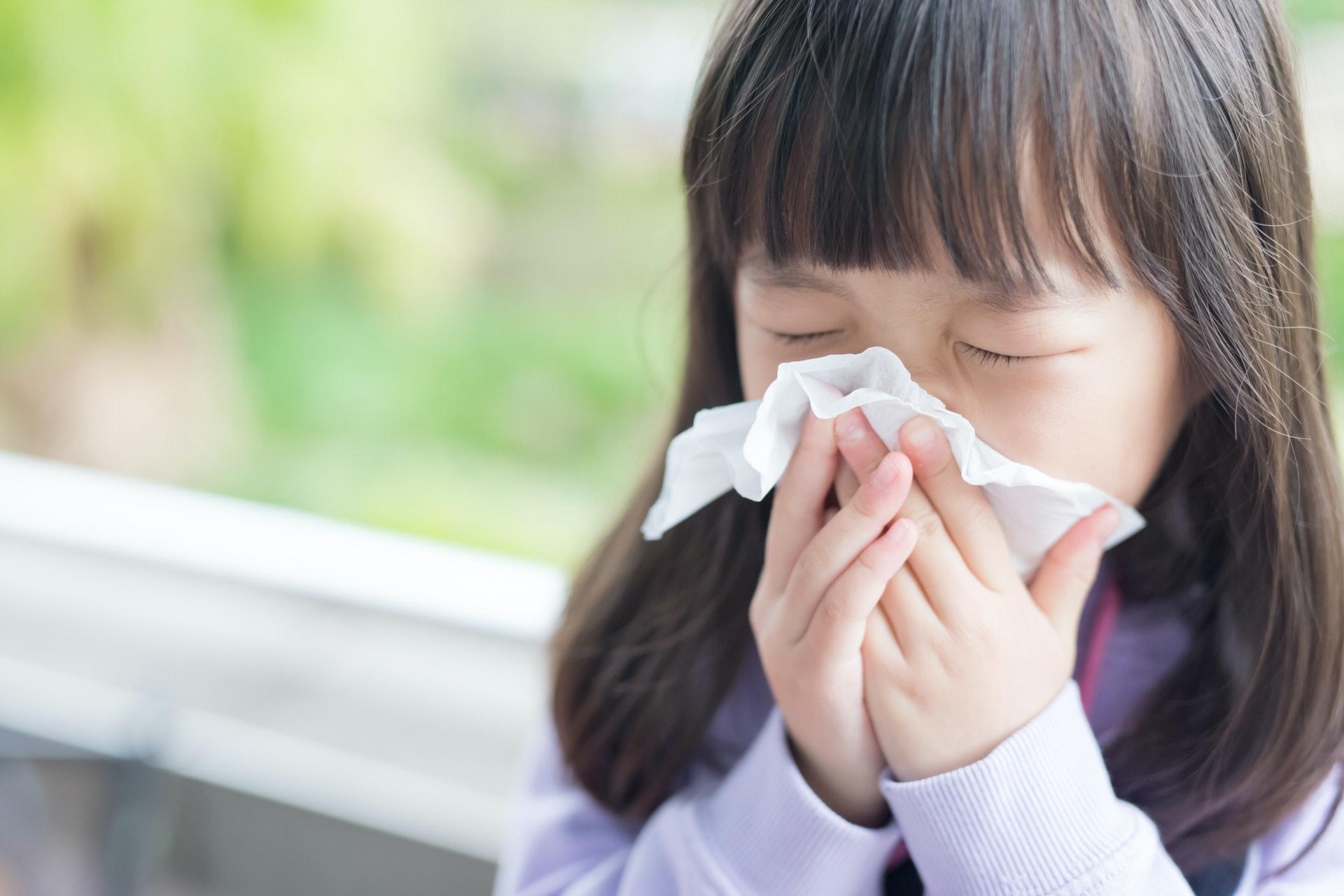 流鼻水、眼痕、濕疹等過敏症狀有機會為校園生活帶來困擾