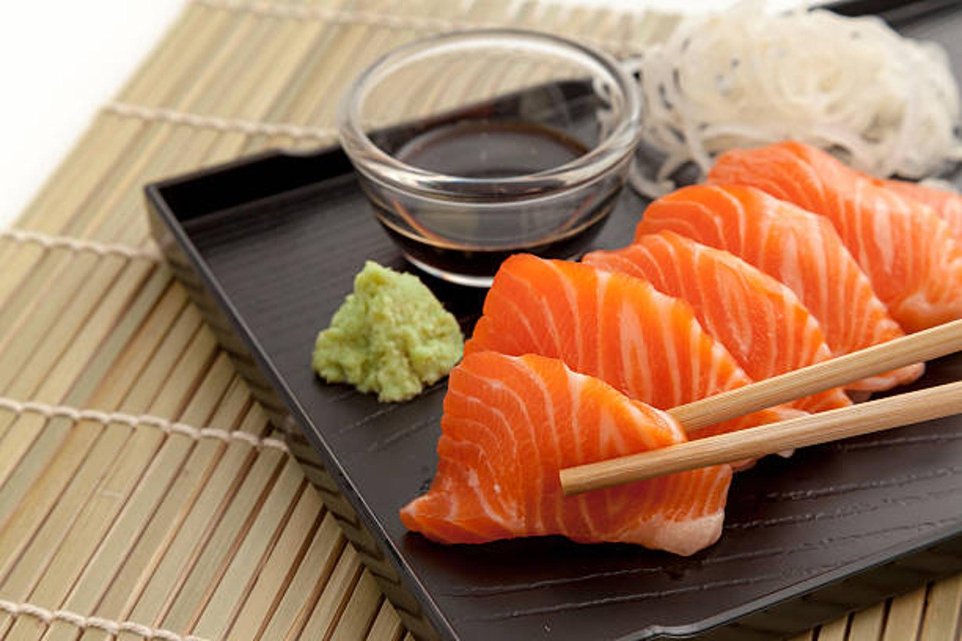 陽虛的人須少食生冷食物,如魚生等。(圖片:Freepik)