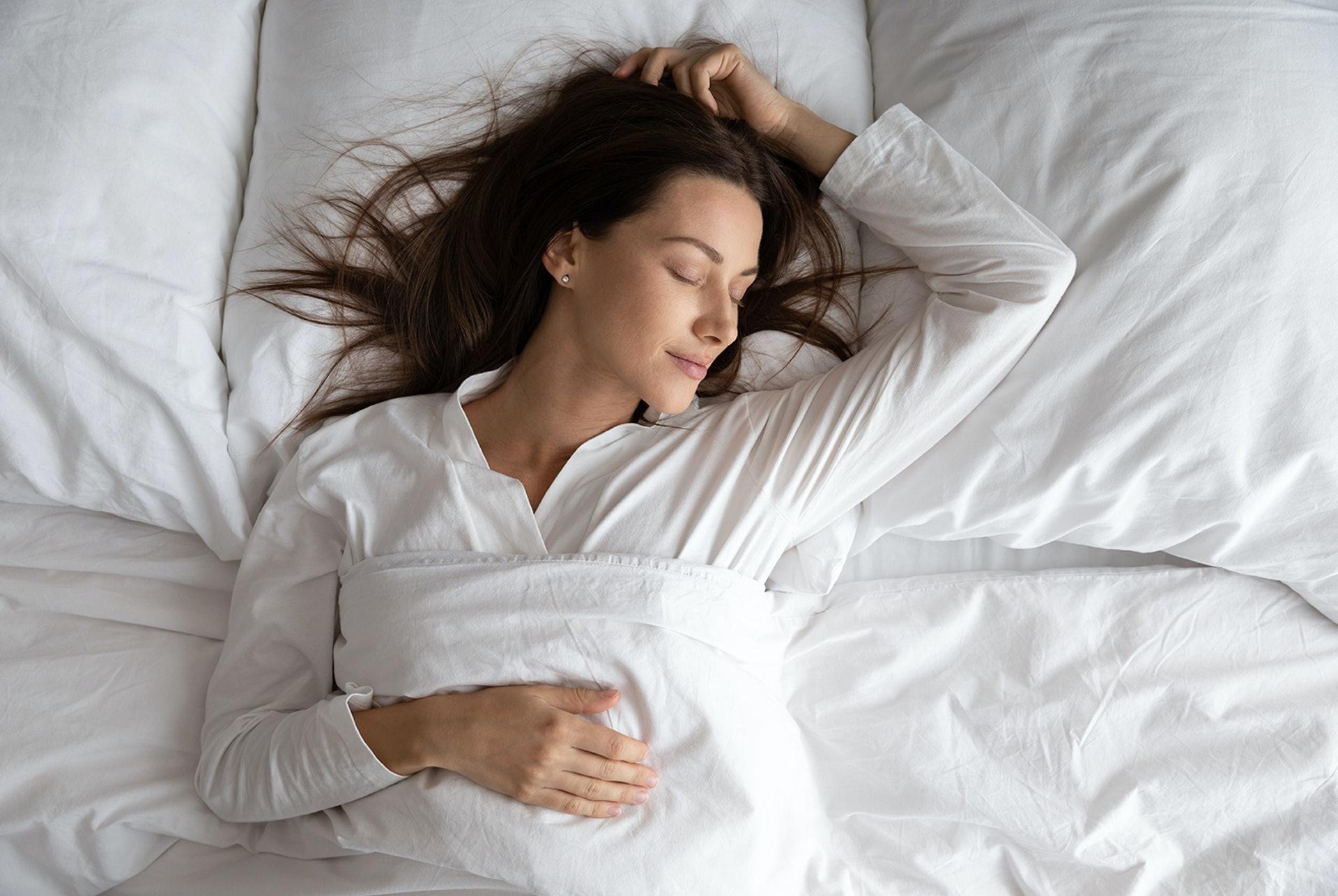 晚上11時至1時是陽氣最弱、陰氣最盛之時;在這個時段睡覺最能養陰,睡眠品質也最佳。 (圖片來源: Freepik)