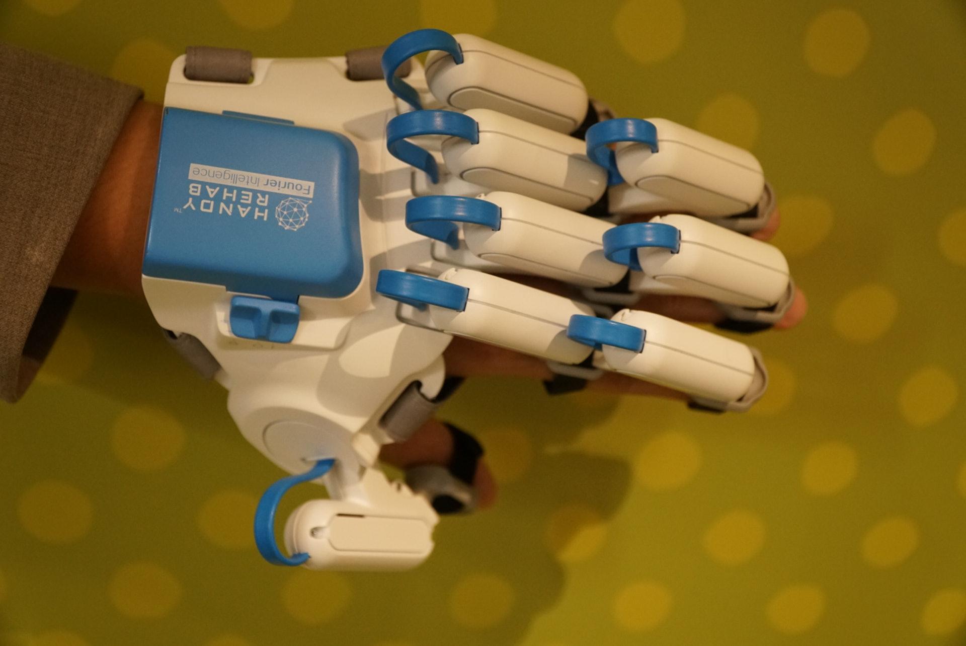 家用版復康機械手除簡化醫用版外,亦由過往一體式改為分拆式,方便為用家進行維修。(曾鳳婷攝)