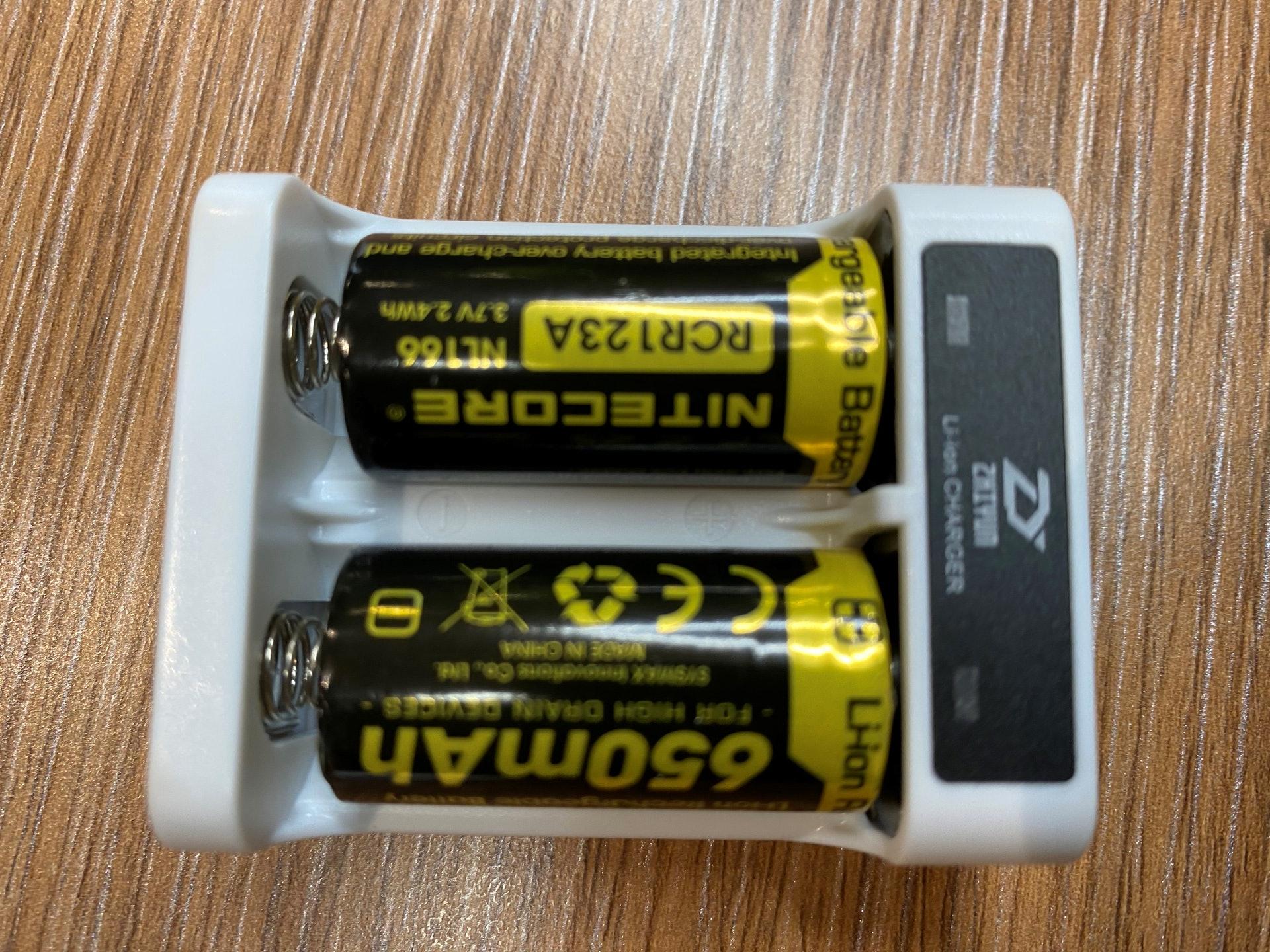 在電池方面,則使用市面上較易找到及價錢較相宜的電池。(曾鳳婷攝)