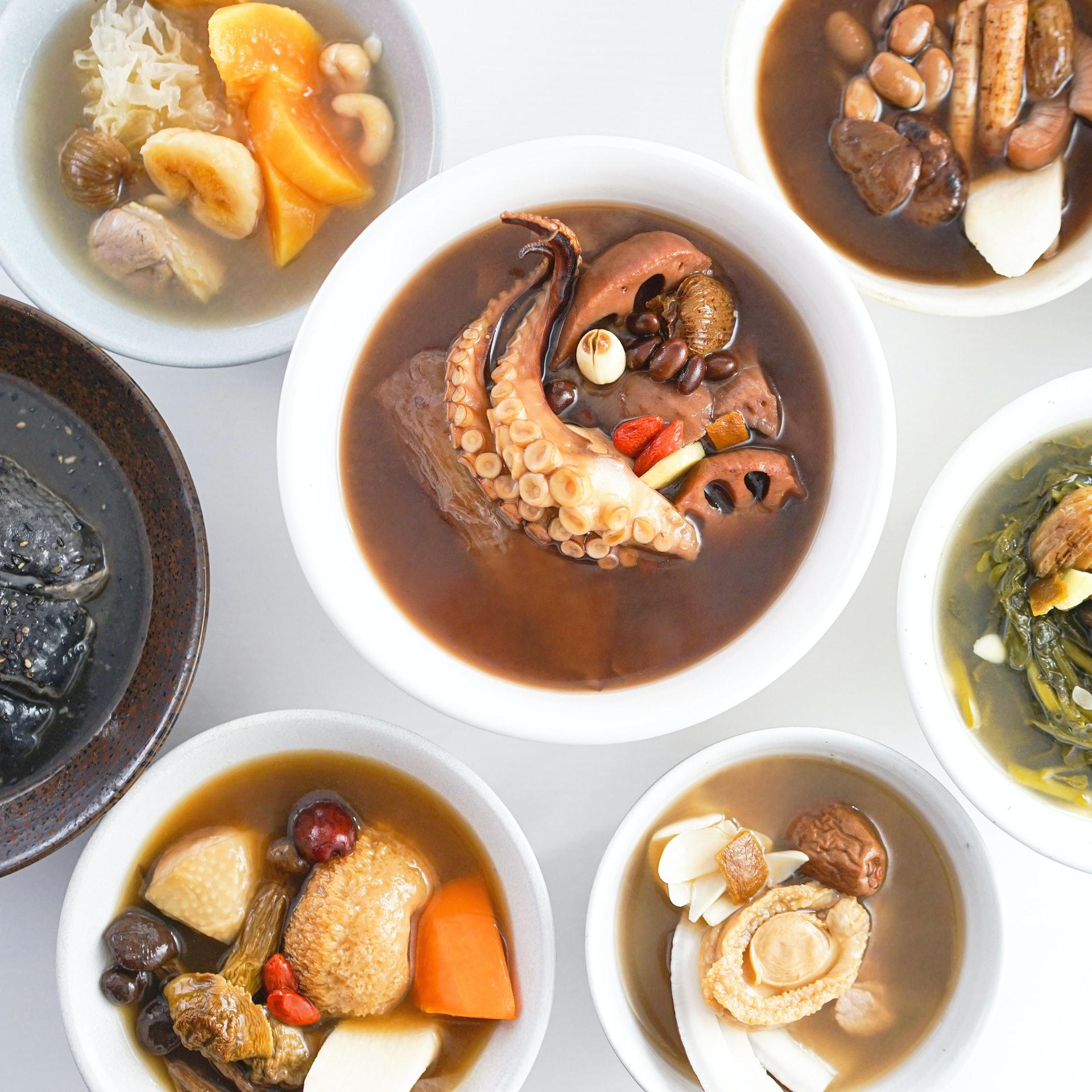 燉湯蘊含深厚的中醫傳統智慧,用料豐富,食材有各自的功效之餘,亦有互相配合的作用,一碗燉湯匯聚了用料的精華。(圖片:moonwell)