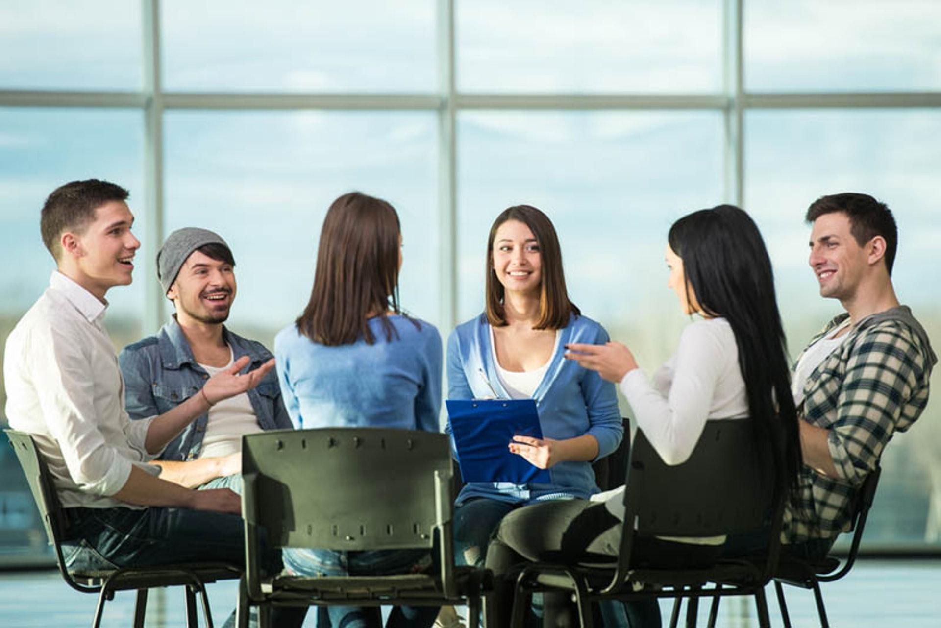 患者成立自助互助組織,讓同路人分享治療經驗,並且彼此鼓勵及支持。(圖片:intotheminds)