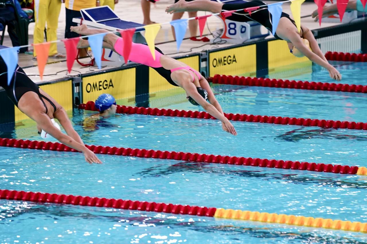 �W�z淳於100米自由泳得第二。(�钣盥N�z)