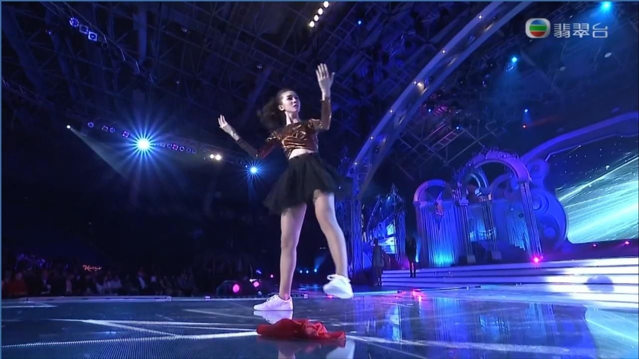 大熱的馬來西亞代表林宣妤,表演娃娃舞,全程好順利。