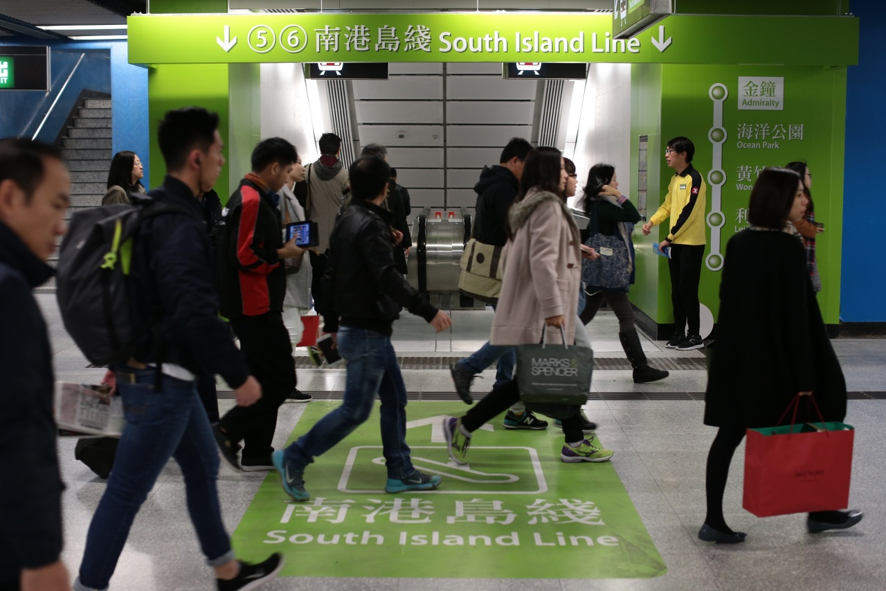 南港島線去年12月28日通車,港鐵初時預計該線每日乘客量可高達17萬人次,惟時平均每日只有約11萬人次使用。(資料圖片/羅君豪攝)