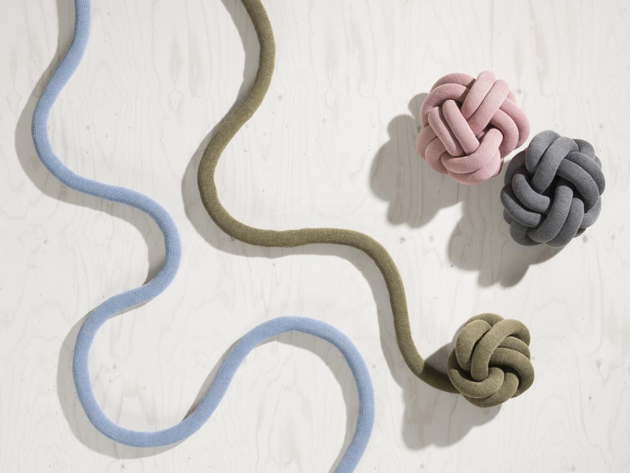 家具展的作品有超過八成來自北歐,是預視北歐未來設計風格的必到場所。(designhousestockholm.com)