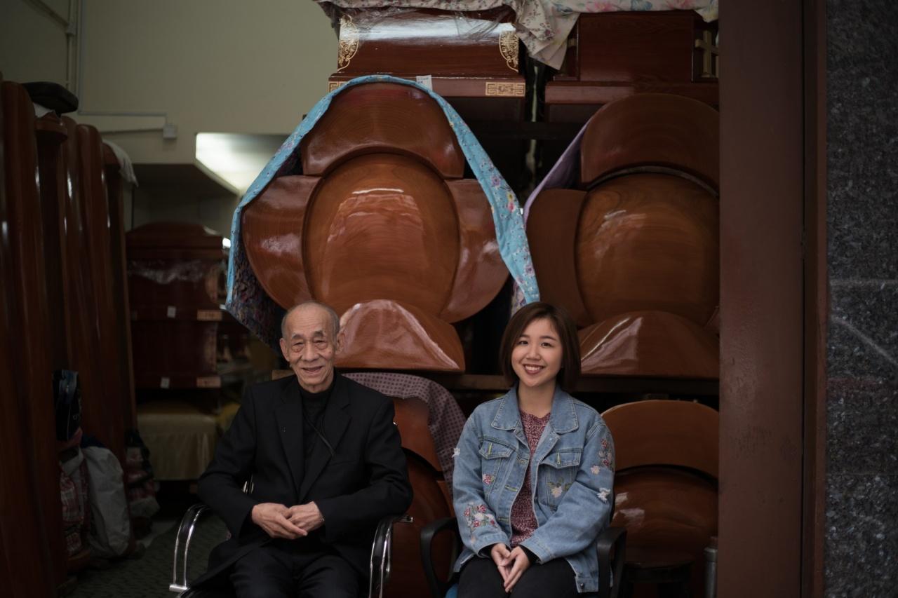 廖英池先生(左)與陳導演(右)