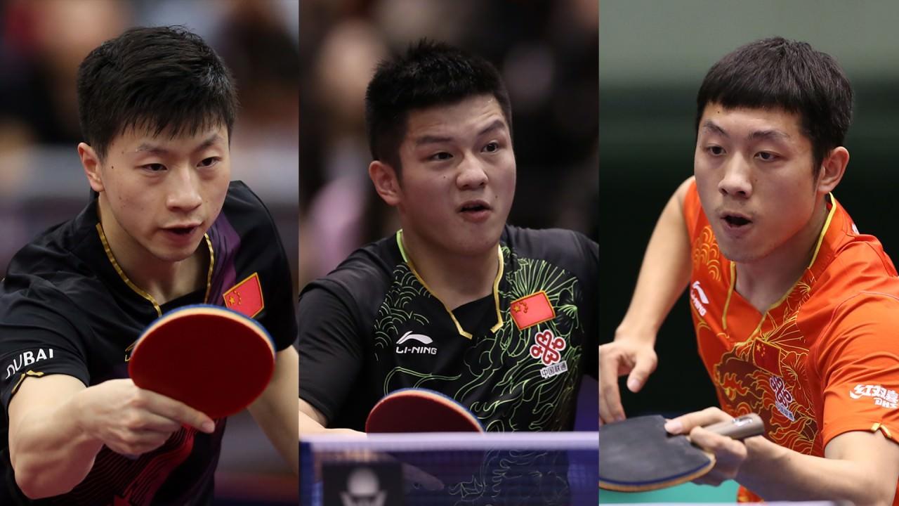 �R��(左)、樊振�|(中)、�S昕(右)退�支持被�{任中��乒�f副主席的�教����梁。(���H乒��D片)